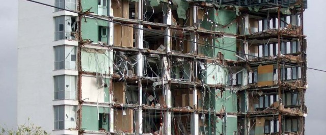 Edificio en ruinas 03